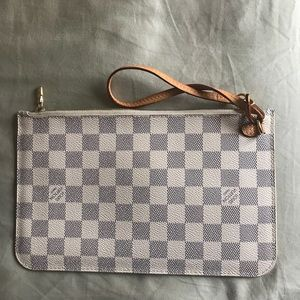 Louis Vuitton Neverfold Pochette Pouch - Preloved